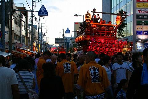 三島大社祭りの山車
