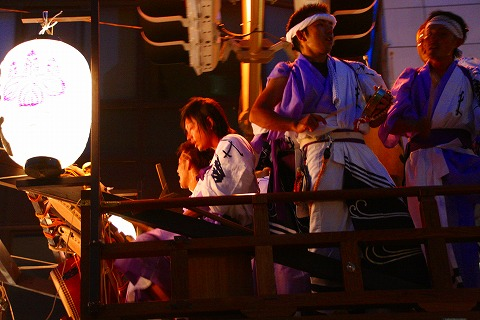 三島大社祭り山車上の様子
