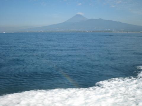 ホワイトマリンからの富士山